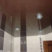 Потолок натяжной в туалет фото