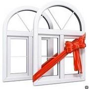 Ламинированные пластиковые окна для балкона из профиля VEKA фото