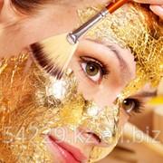 Стимулирующая процедура с золотой маской фото