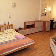 Аренда квартир посуточно 1-комнатная квартира ,студио, 45 кв.м, в центре Киева на 6 этаже (лифт), с великолепным видом на Майдан Независимости. фото