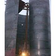 Монтаж вертикальных резервуаров фото