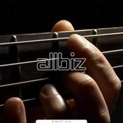 Обучение игре на гитаре, обучение игре на музыкальных инструментах фото