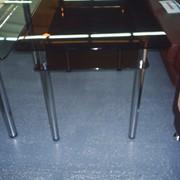 Стеклянный кухонный стол фото