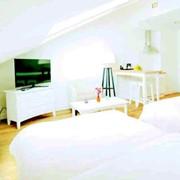 Набор мебели из натурального дерева для спальни фото