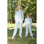 Спортивный костюм с жемчужными вставками для мам и дочек фото