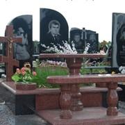 Изготовление памятников, уход за могилами. фото