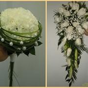 Составление букетов, свадебные браслеты, бутоньерки для жениха фото