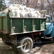 Вывоз мусора в мешках фото