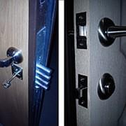 Установка замков, установка дверных ручек, установка доводчиков фото