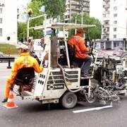 5 машин по нанесению дорожной разметки фото