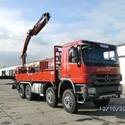 Специализированное транспортное средство для перевозки тяжелого технического оборудования фото
