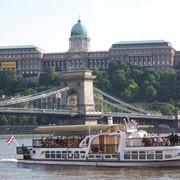 Экскурсия по Дунаю на кораблике фото