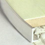 Плиточные алюминиевые профили АП10, АП12, АПГ10, АПГ12 используются для отделки ровных поверхностей. Цвет: полированный, серебро, золото. Высота:10 мм; 12 мм. Длина - 2.7 м. Латунные профили (ЛП10, ЛП12):10 мм; 12 мм. Длина: 2.5 м. фото
