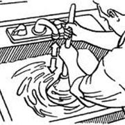 Прочистка канализационных стоков от раковин или кухонных моек фото