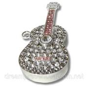 Флешка 8 Gb металл со стразами Гитара фото