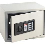 Ремонт и обслуживание сейфов и дверей комнат-сейфов фото