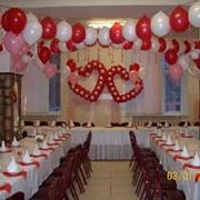 Оформление торжества воздушными шарами фото