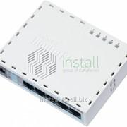 Маршрутизатор MikroTik RB750GL фото