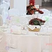 Прокат текстиля для проведения торжеств (скатерти, юбки, чехлы на стулья и др). фото