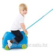 Чемодан на колесиках голубой Trunki фото