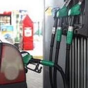 Нефтехимические продукты светлые Бензины Дизтопливо Бензин А-80 Бензин А-92 Бензин А-95 фото