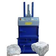 Вертикальный пресс ЕК700, усилие 4/6 тонн для макулатуры, пленки, ПЭТ тары, банок и других отходов. фото
