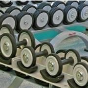 Обрезинивание наборных дисков гантелей используемых при занятиях фитнесом фото