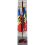 Подставки для флагов напольные деревянные фото