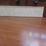 Порезка керамогранита, плинтус под лак 60 см фото