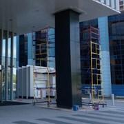 Мобильная покраска ПВХ окон и алюминиевых лоджий фото