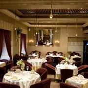 Услуги ресторанно-отельного комплекса, Гостиничные услуги, Гостиницы, мотели и кемпинги, Туристические услуги фото