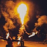 Огненное шоу фаер шоу, огненно-пиротехническое шоу фото