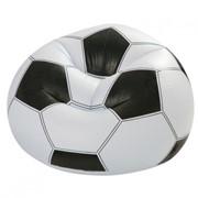 Надувное кресло выполнено в виде футбольного мяча. фото