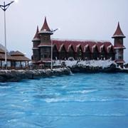 Тур в парк Ferrari World и Аквапарк Ice Land Water Park фото