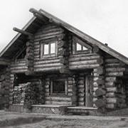 Эксклюзивные дома из тесанного кругляка сосны. фото