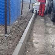 Производство и установка дорожных бортов фото
