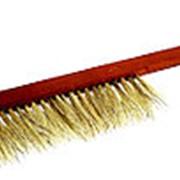 Щетка-сметка, натуральный ворс, деревянная лакированная ручка фото