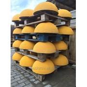 Полусферы бетонные окрашенные (ограничитель парковки) фото