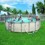 Вместительный бассейн фото