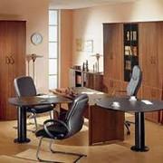 Широкий ассортимент офисной мебели. фото