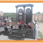 Памятник из габбро фото