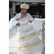 Прокат красивых свадебных казахских платьев на кыз узату той. фото
