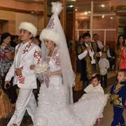 Костюмы свадебные национальные фото