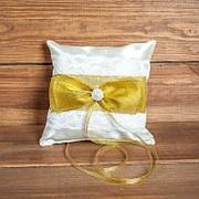 Свадебная подушечка для колец с кружевом золотистого цвета (арт CR-216) фото