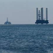 Добыча углеводородов в Каспийском море. фото