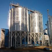Зернохранилище конусное. Силос с конусным днищем фото