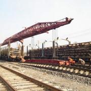 Укладка железнодорожного пути. фото