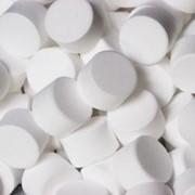 Соль таблетированная для водоочистки, Соль таблетированная, Поваренная таблетированная соль в полипропиленовых мешках с полиэтиленовым вкладышем 25кг. фото