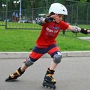 Обучение катанию на роликовых коньках и скейтборде фото