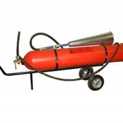 Переносной углекислый огнетушитель фото